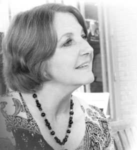 JoAnne-Bassett-image-fragrantica