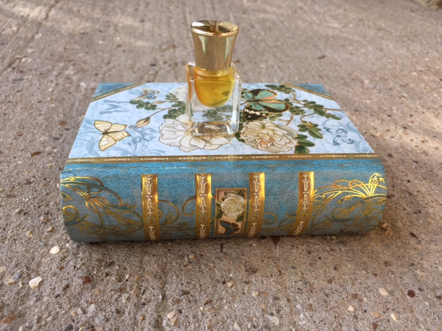 fb3d6f6fa8 To reduce inventory I am not going to bring some of my gift items and  regular perfumes into the New Year. I am having a 50% sale to finish ...